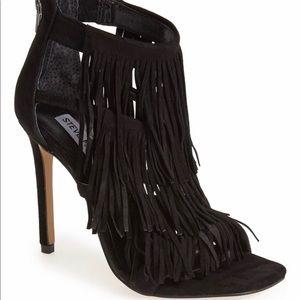 BLACK Steve Madden Fringly Sandal size 11